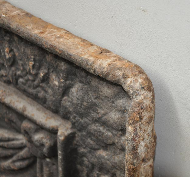 Big antique fireback with jansenist decoration-9