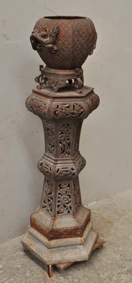 Large Antique Chinese Style Planter In Openwork Cast Iron