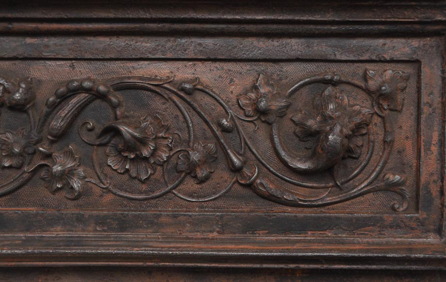 Fireplace cast iron insert, style Napoleon III, with grotesques and chimeras decoration-7