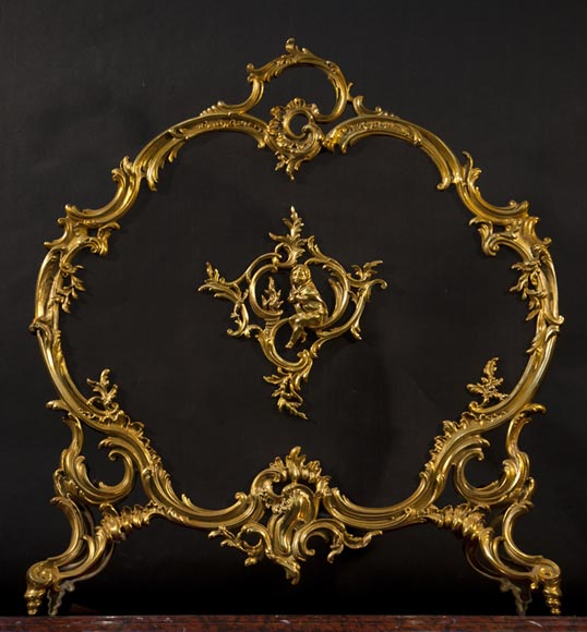 Antique Louis XV style gilt bronze fire screen with a Winter Allegory - Reference 9981